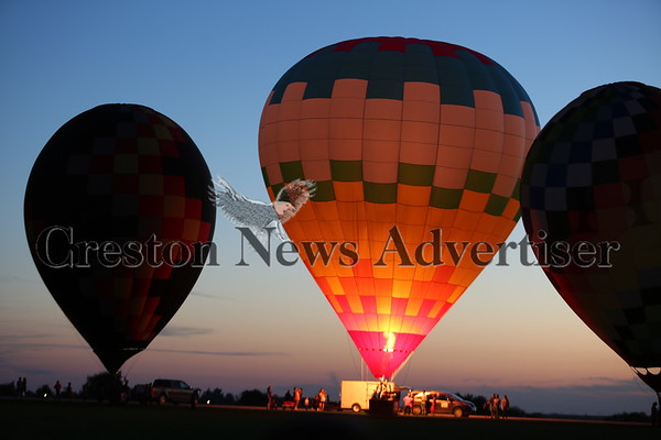 09-19 Balloon Days night glow