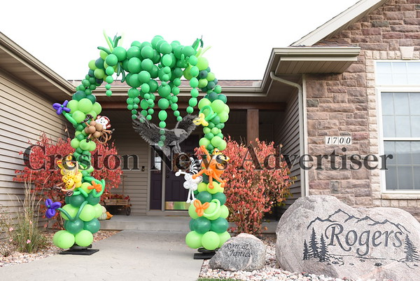 11-1 Halloween Decorations