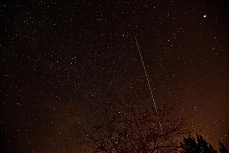Stars at GCVM, Jet airplane trail lights