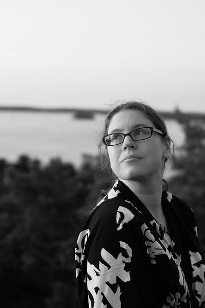 Susanne, b/w