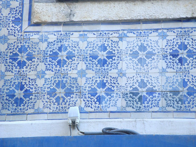 Wall and frieze patterns in the streets of Lisbon