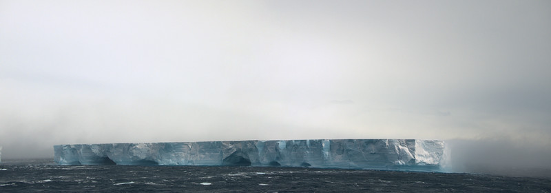 Tabular Iceberg Antarctica 11232010 1.jpg