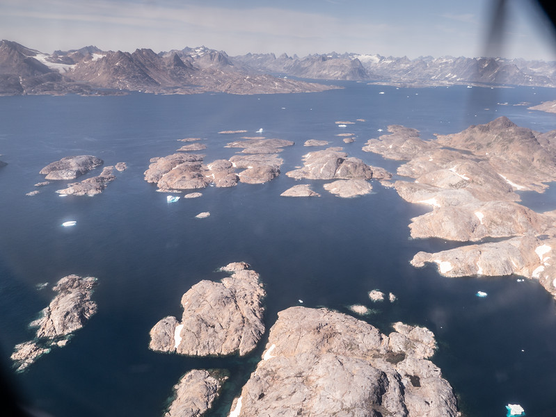 Ikaasatsivaq and Ammassavik Islands