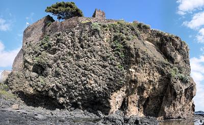 Rocca Saturnia Aci Castello