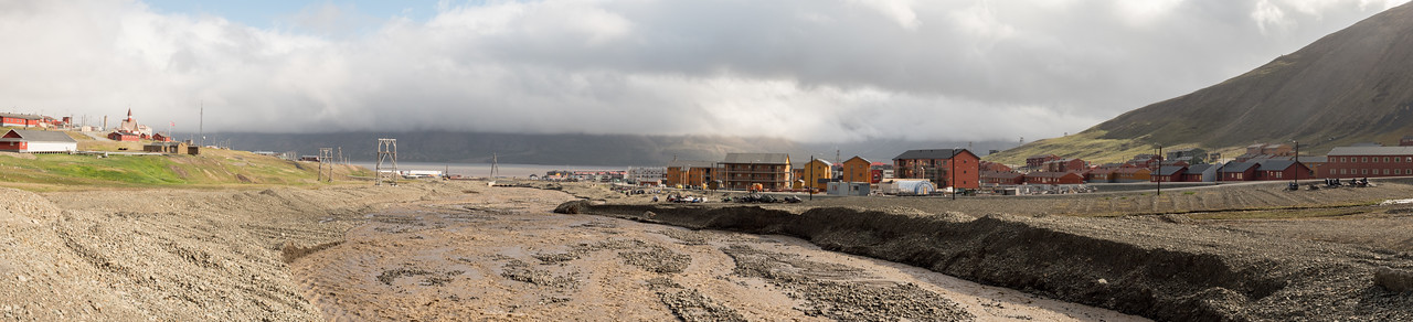 Longyearbyen Looking North Vei 501