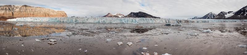 Ice cliffs in Kings Sound near Ny ALesund