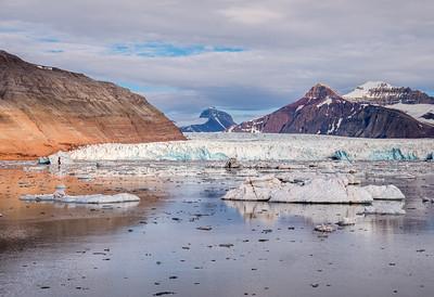 Kings Bay Near Ny-ålesund, Glacier
