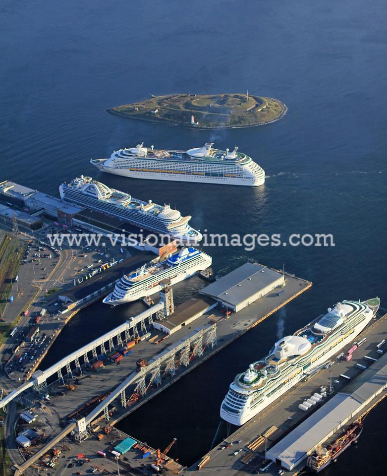 Portrait CruiseShipsHalifax Oct 2011