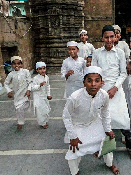 Kids at the Mosque, Ahmedabad