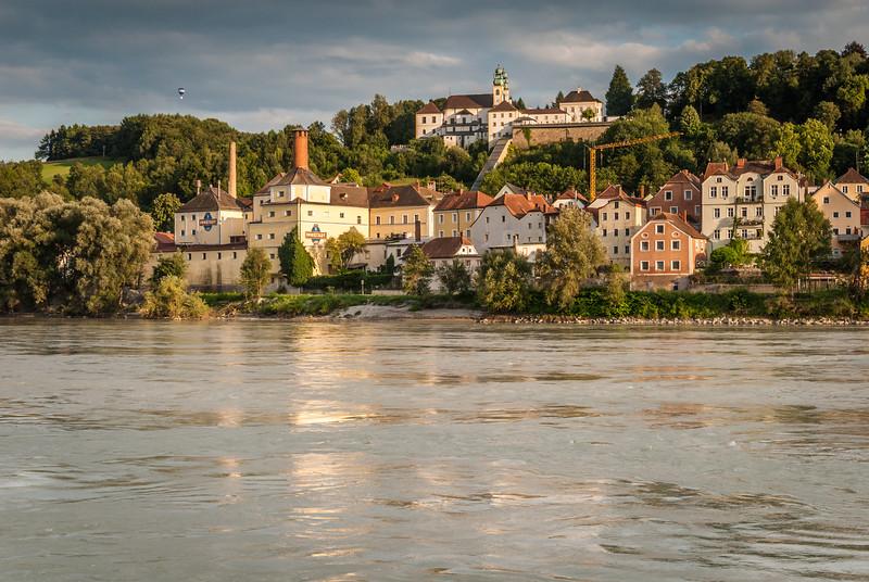 Evening Riverside, Passau