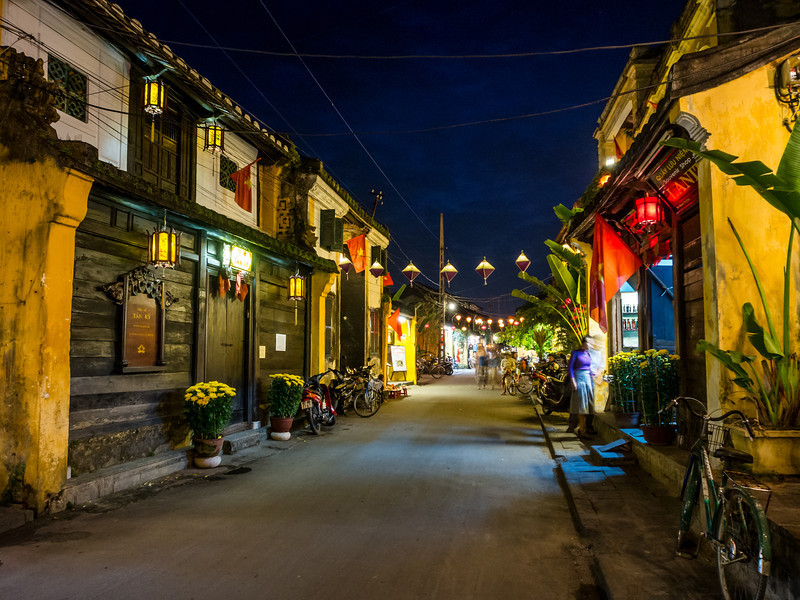 Evening Street Scene, Hoi An