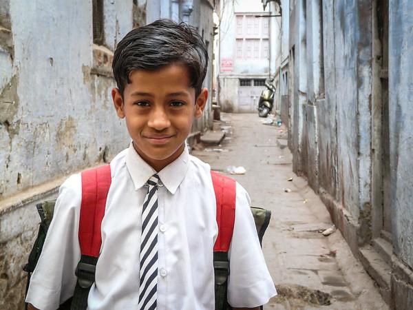 Schoolboy, Varanasi