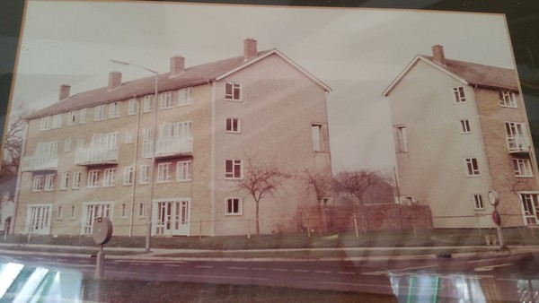 This was how the building looked when they were maisonettes.They had balconies but the two blocks were not linked as they are now.