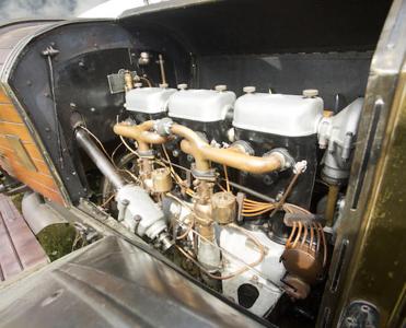 1914 7 2L Engine 1