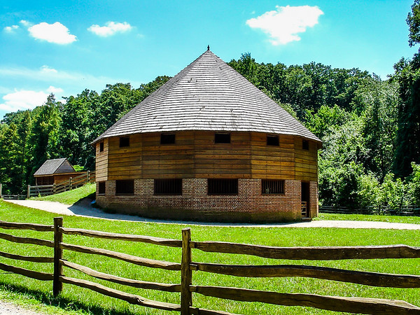 16 Sided Barn, George Washington's Mount Vernon, VA