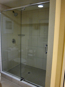 Marriott Hilton Head Island Resort - nice large bathroom with glassed in shower
