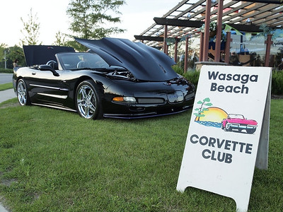 Wasaga Beach Corvette Club Party at Boston Pizza 002