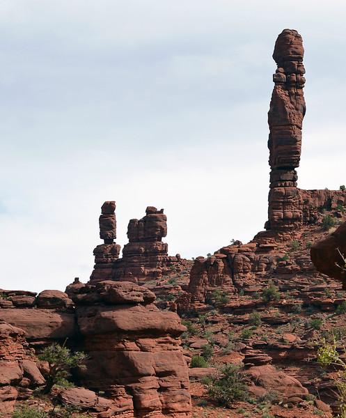 Red sandstone towers along Onion Creek in east Utah, USA