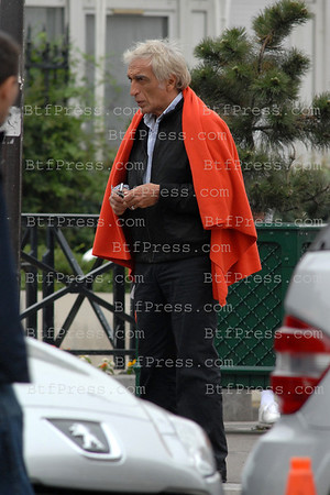 Exclusive___ Actor Gerard Darmon filming in Paris.