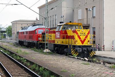 MEG, 215 (uic 92 80 1275 215-2 D-MEG) at Dessau Hbf  270409