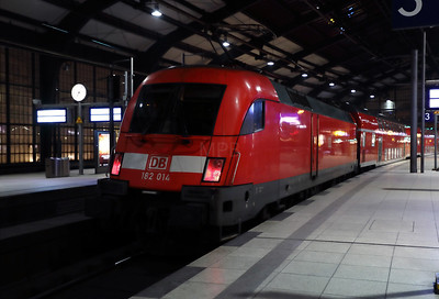 182 014 at Berlin Friedrichstrasse on 2nd February 2017 (6)