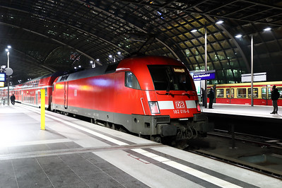 182 016 at Berlin HBF on 2nd February 2017 (8)