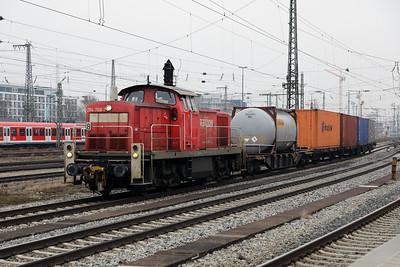 294 768 (98 80 3294 768-7 d-db) at Munich Ost on 10th February 2017 (2)