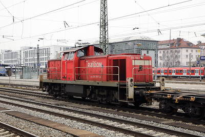 294 768 (98 80 3294 768-7 D-DB) at Munich Ost on 10th February 2017 (5)
