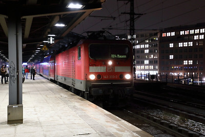 143 333 at Berlin Friedrichstrasse on 2nd February 2017 (8)