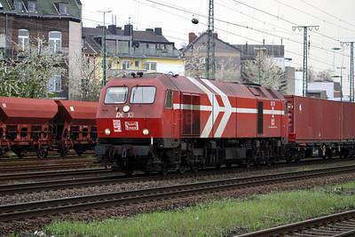HGK, DE13 at Koln West on 13th April 2004