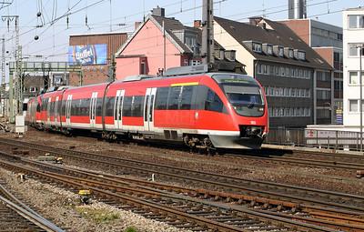 644 540 at Koln Hbf on 12th April 2004