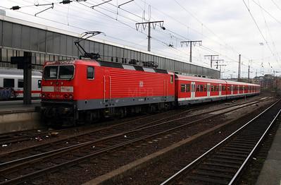 143 853 at Essen Hbf 12th April 2004