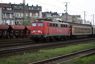 140 810 at Koln West on 13th April 2004
