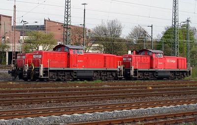 294 395 at Schwerte (Ruhr) on 18th April 2004