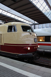 2) 103 245 (91 80 6103 245-7 D-DB) at Munchen HBF on 7th February 2014 working IC2094