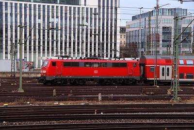 111 216 (91 80 6111 216-8 D-DB) at Munich Hackerbrucke on 9th February 2014