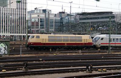 1) 103 245 (91 80 6103 245-7 D-DB) at Munich Hackerbrucke on 9th February 2014 working IC2206