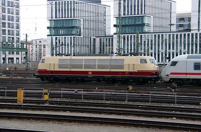 2) 103 245 (91 80 6103 245-7 D-DB) at Munich Hackerbrucke on 9th February 2014 working IC2206