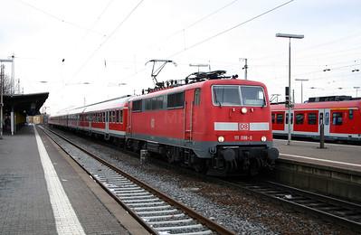 111 098 at Friedburg (Hess) on 20th February 2005