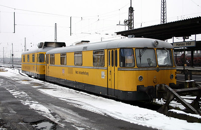 725 002 at Hanau Hbf on 20th February 2005 (2)