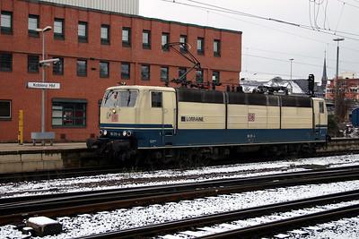 181 211 at Koblenz Hbf on 21st February 2005 (1)