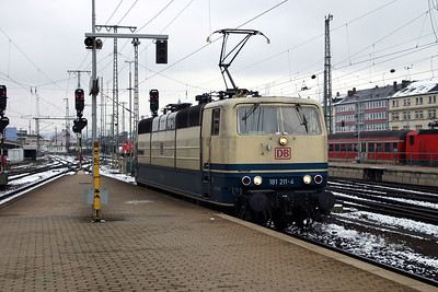 181 211 at Koblenz Hbf on 21st February 2005 (2)