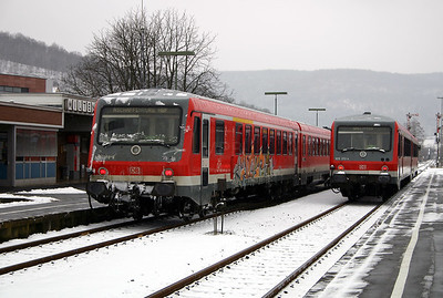 928 270 & 928 272 at Miltenberg on 19th February 2005