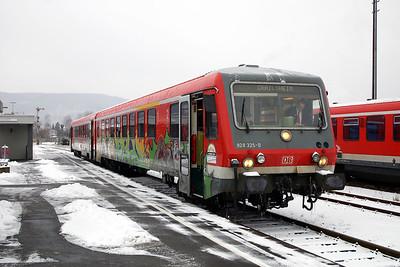 928 325 at Miltenberg on 19th February 2005, Working RE4925 0925 Aschaffenburg -