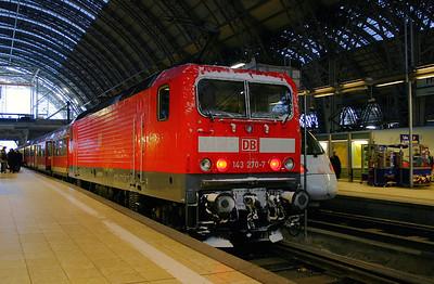 143 270 at Frankfurt Main Hbf 190205, (lighter 20)