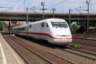 401 567 (93 80 5401 567-3 D-DB) at Hamburg Harburg on 15th July 2013