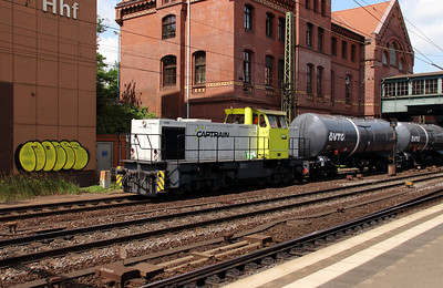 1) Captrain, 274 108 (98 80 0274 108-6 D-TWE) at Hamburg Harburg on 15th July 2013