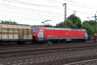 2) EG, 3110 (91 86 0103 110-0 DK-RSC) at Hamburg Harburg on 15th July 2013