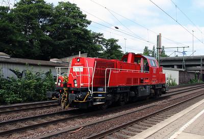 261 033 (92 80 1261 033-5 D-DB) at Hamburg Harburg on 15th July 2013