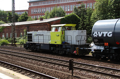 2) Captrain, 274 108 (98 80 0274 108-6 D-TWE) at Hamburg Harburg on 15th July 2013